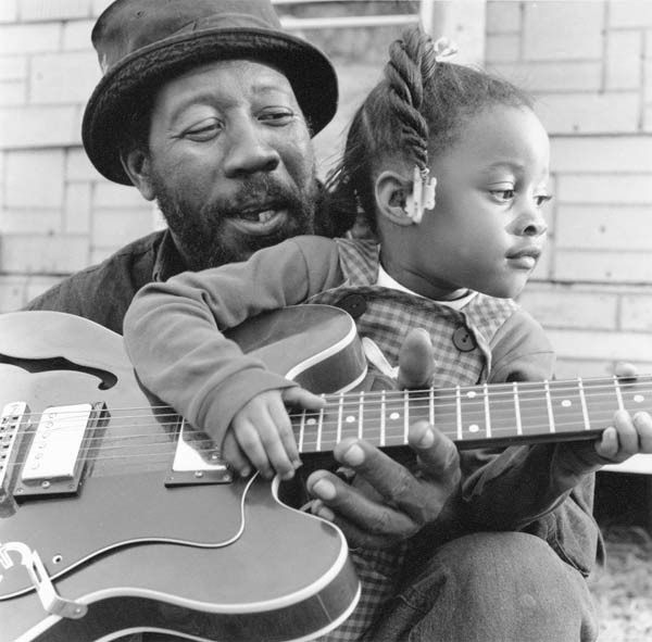RL Boyce and his daughter Shanquisha, Como, MS, 2001